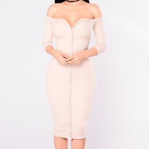 Ribbed Snap Button Off Shoulder Midi Dress
